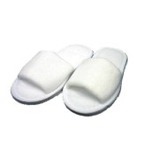 Children's Slippers  (Box of 100 Pairs)